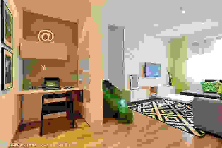 mieszkanie z Bolkiem i Lolkiem Skandynawski salon od Projekt Kolektyw Sp. z o.o. Skandynawski