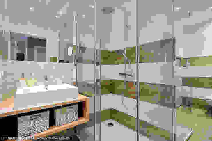 Scandinavian style bathrooms by Projekt Kolektyw Sp. z o.o. Scandinavian