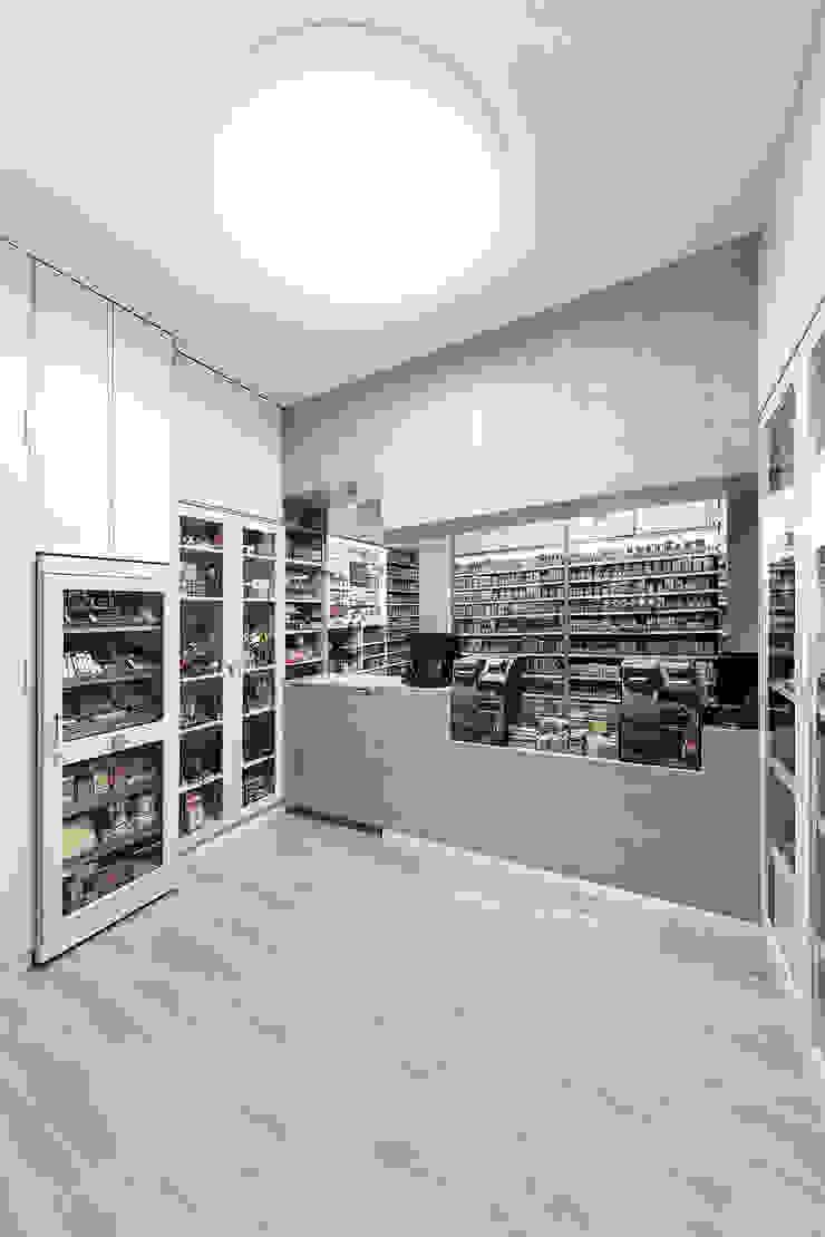 Estanco Calvario Espacios comerciales de estilo minimalista de Nan Arquitectos Minimalista