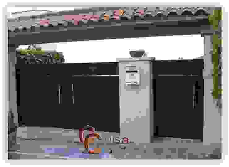 Puerta Modelo Chapa Plegada. Puertas y ventanas de estilo clásico de Cerrajeria cejisa Clásico