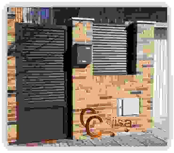 Puerta de lama elíptica Puertas y ventanas de estilo clásico de Cerrajeria cejisa Clásico