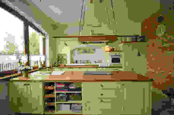 Kuchnia w kolorze kremowym 'Rustykalnia' Sztuka Wnętrza Rustykalna kuchnia