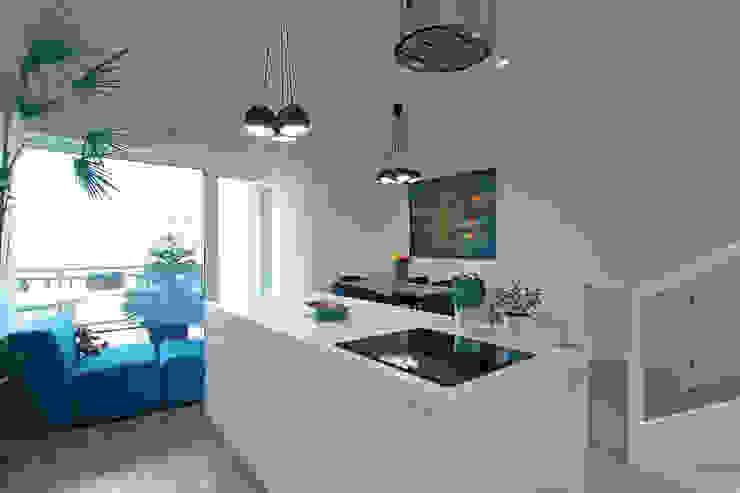 Dom na Różanym Potoku Nowoczesna kuchnia od Neostudio Architekci Nowoczesny