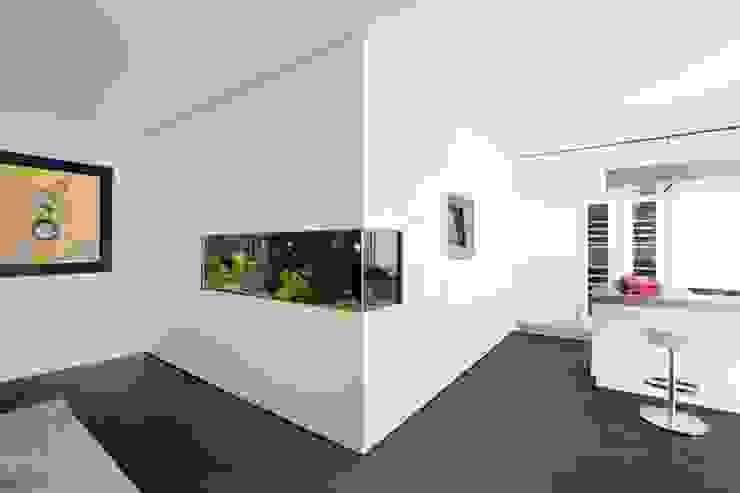 Projekty,  Kuchnia zaprojektowane przez Schmidt Holzinger Innenarchitekten, Nowoczesny