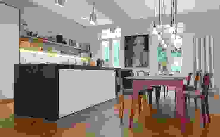 Кухни в . Автор – Schmidt Holzinger Innenarchitekten, Модерн