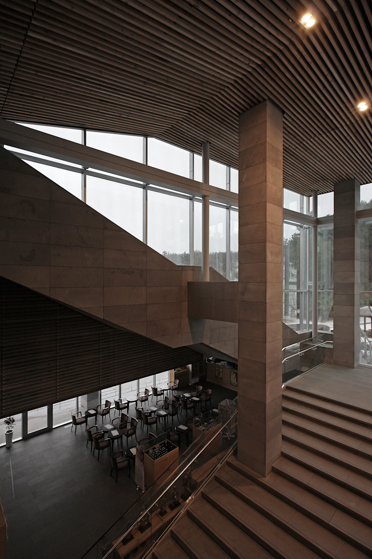 ADF Architects Modern Corridor, Hallway and Staircase