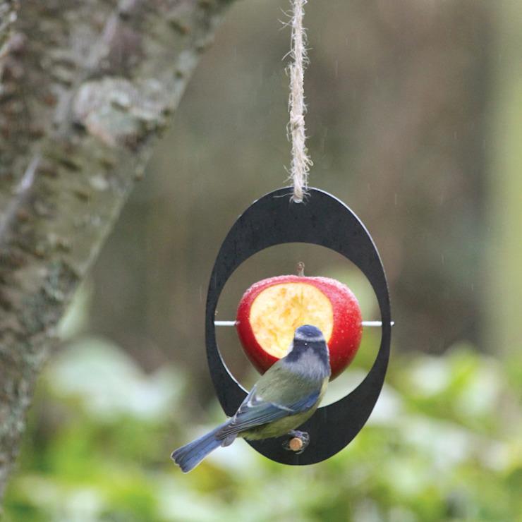 Eco Bird Feeder de ashortwalk Moderno