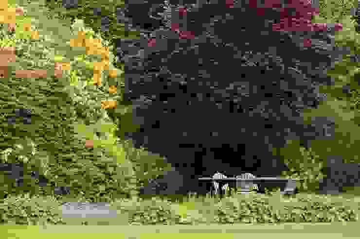 Outdoor Dining Country style garden by Rebecca Smith Garden Design Country
