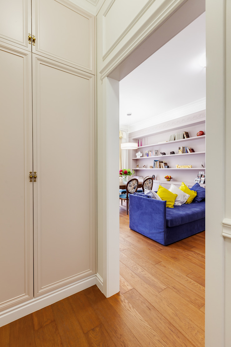 Яркий, сложный, всеми любимый Ход Конем Гостиные в эклектичном стиле от U-Style design studio Эклектичный