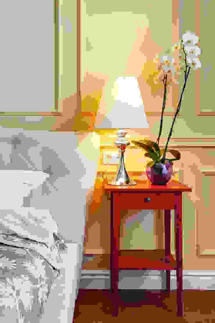 Яркий, сложный, всеми любимый Ход Конем Спальня в эклектичном стиле от U-Style design studio Эклектичный