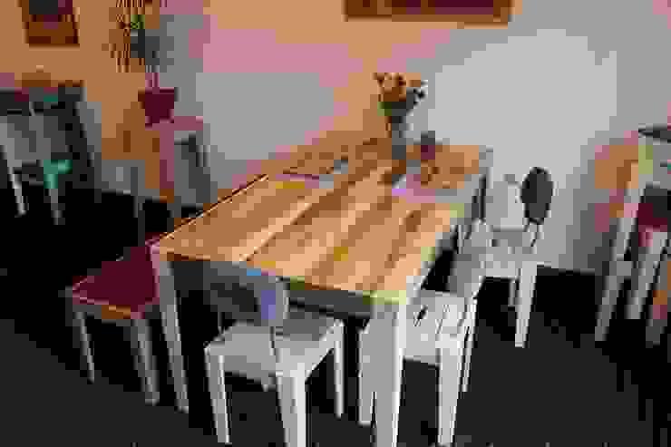 Salas de jantar ecléticas por Tischlerei Volker Frings Eclético