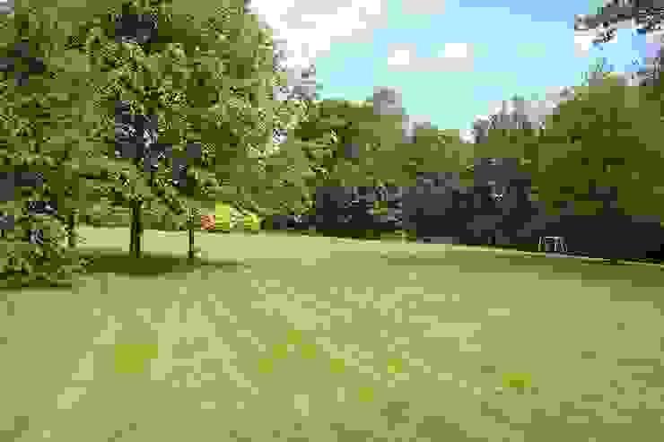 Parkland Country style garden by Rebecca Smith Garden Design Country