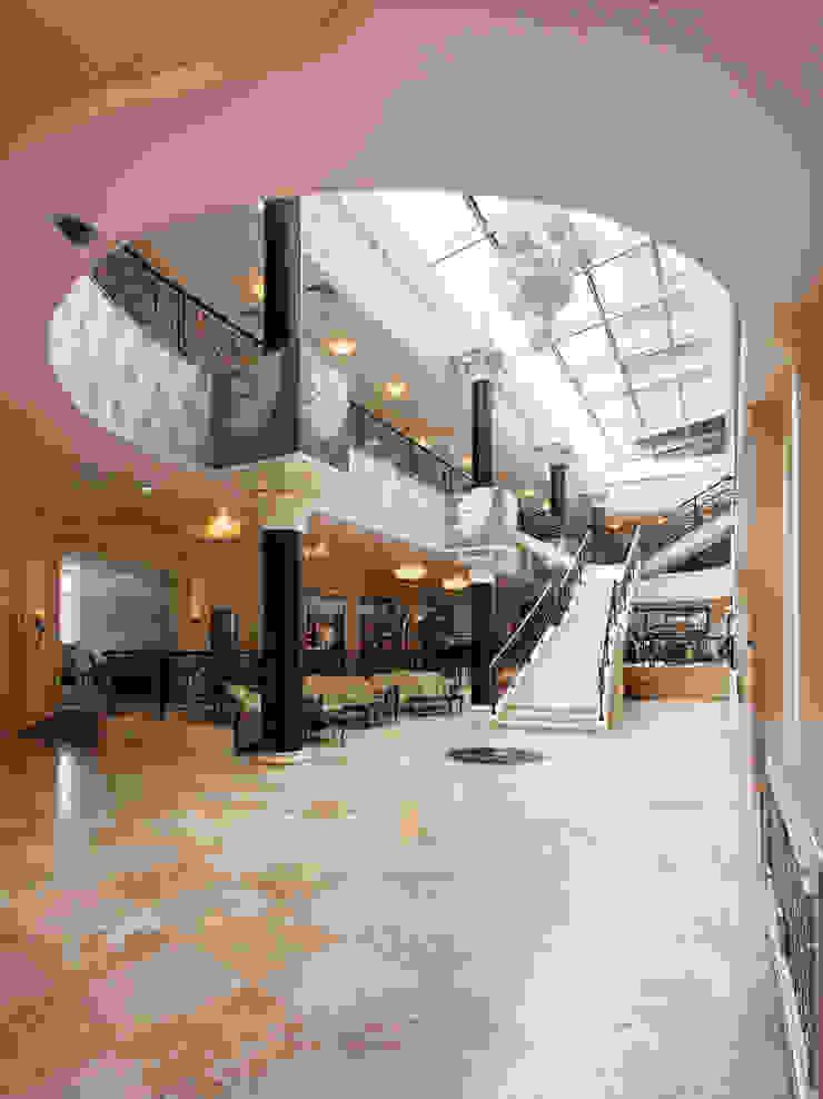 Холл отеля Гостиницы в эклектичном стиле от ELENA RUMYANTSEVA Эклектичный