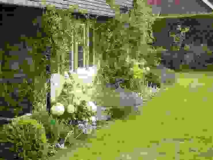 An Artists Garden Rebecca Smith Garden Design Industrial style garden