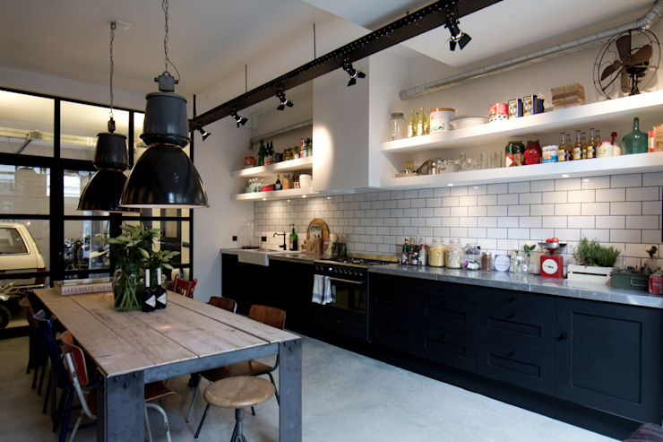 Dapur oleh BRICKS Studio, Industrial