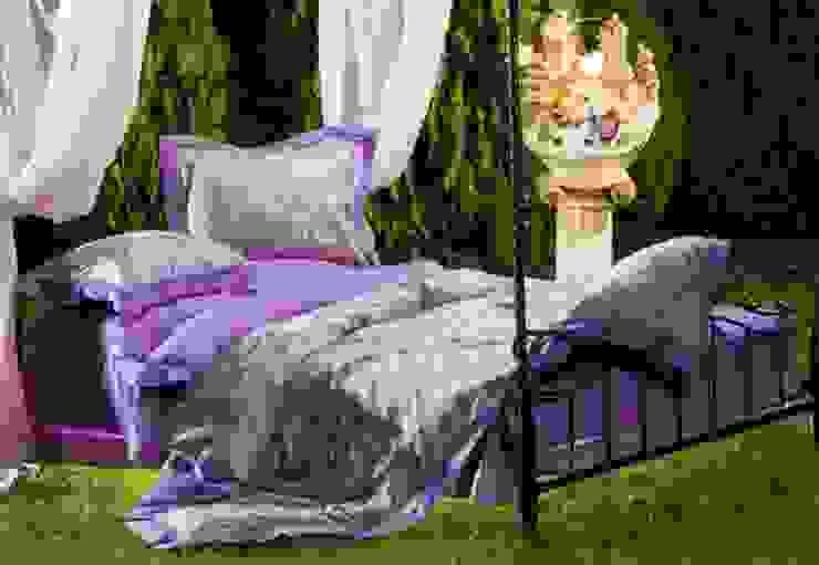 Purple Tiara Cotton Sateen Jacquard & Lace: modern  by Roxyma Dream UK, Modern