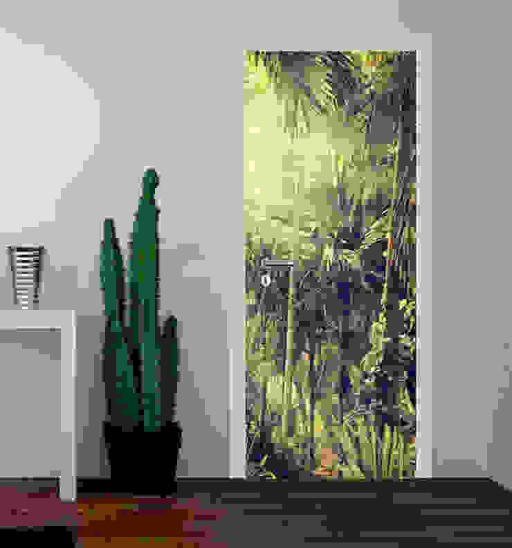 druk na drzwiach od Inoutprint Egzotyczny