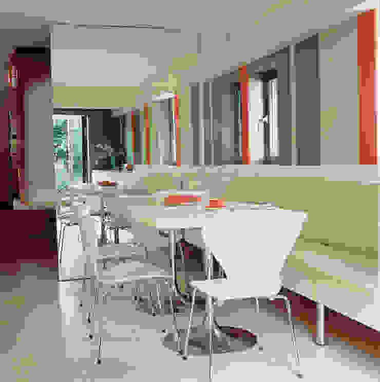 Highgate House - 2 Modern kitchen by Jonathan Clark Architects Modern