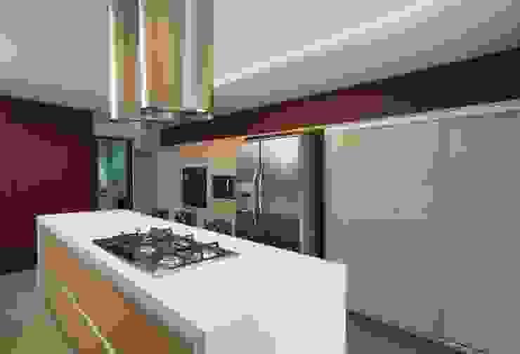 Projeto Casa Moderna - Jorge Elmor Cozinhas modernas por Elmor Arquitetura Moderno