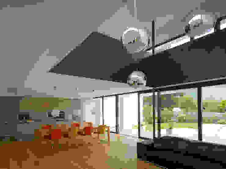 EFH in Hohenems Moderne Wohnzimmer von Baumschlager Hutter ZT GmbH Modern