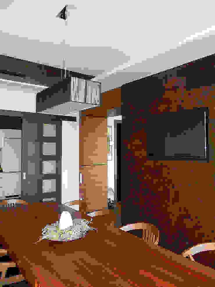 ДОМ НА БЕРЕГУ «ECOHOUSE» Столовая комната в стиле минимализм от citek Минимализм