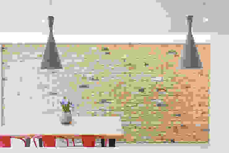more bricks... TAS Architects Walls