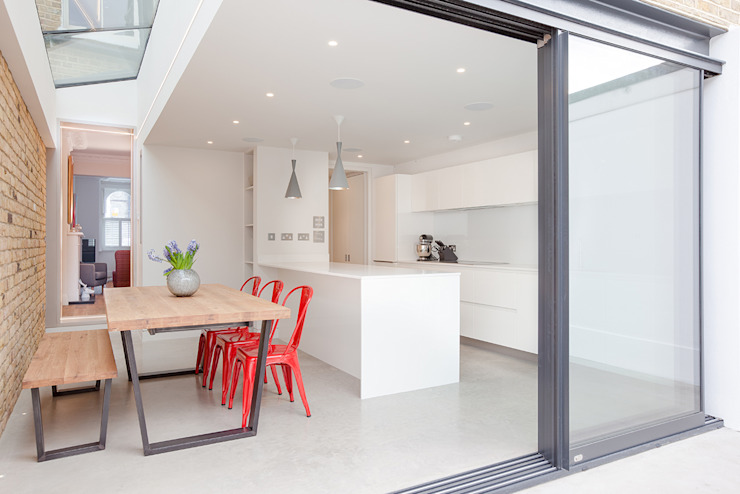 kitchen & concrete by TAS Architects Minimalist