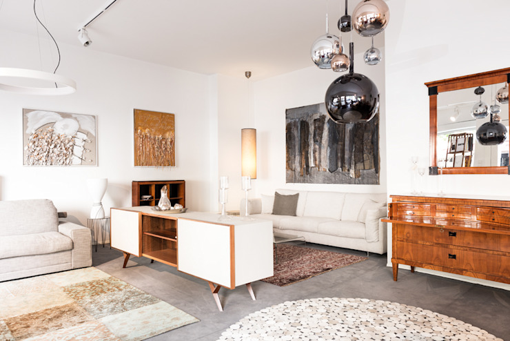 vordere Raum Wohnzimmer Moderne Wohnzimmer von 3clinium - italian interior design Berlin Modern