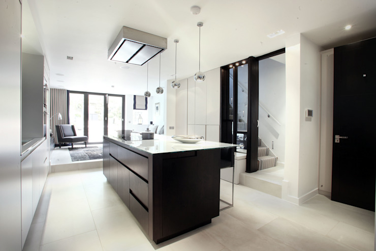 Fulham House by Peek Architecture. Modern kitchen by Alex Maguire Photography Modern
