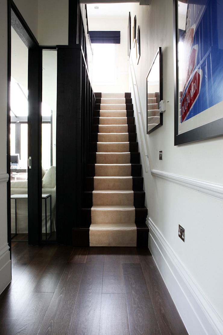 Fulham House by Peek Architecture. Modern corridor, hallway & stairs by Alex Maguire Photography Modern