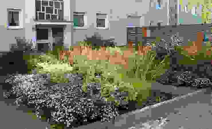 Modern garden by Büro Christian Meyer Modern