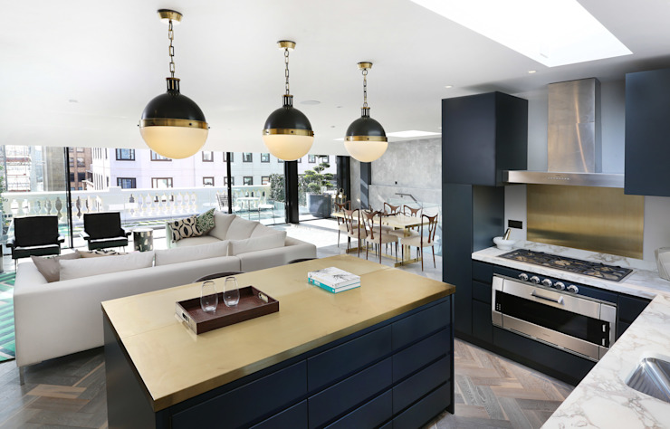 Luxury London penthouse Modern kitchen by Alex Maguire Photography Modern