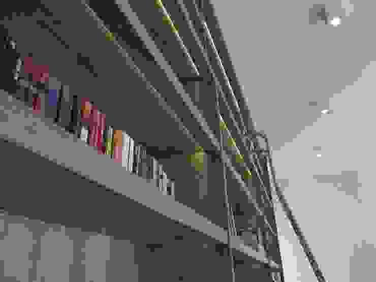 RESIDÊNCIA J&J Escritórios modernos por Raquel Pelosi Arquitetura e Design Visual Moderno