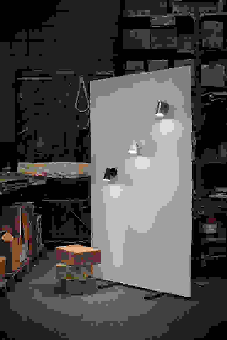 CUP 700/02 de Jou Diseño & Luz Moderno