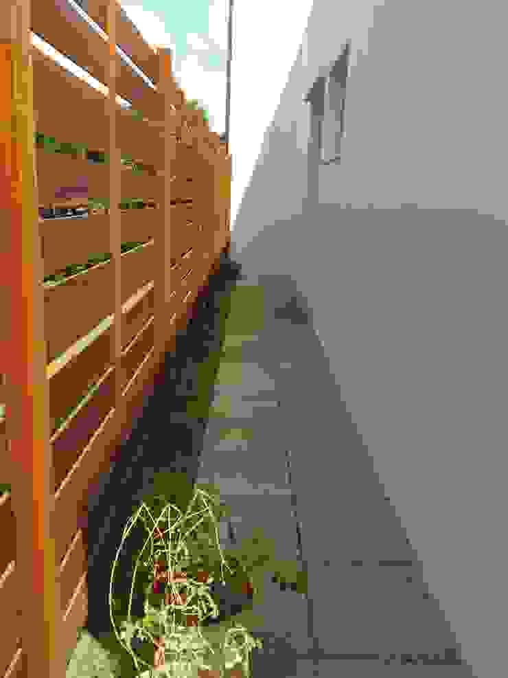 RESIDÊNCIA J&J Varandas, alpendres e terraços modernos por Raquel Pelosi Arquitetura e Design Visual Moderno