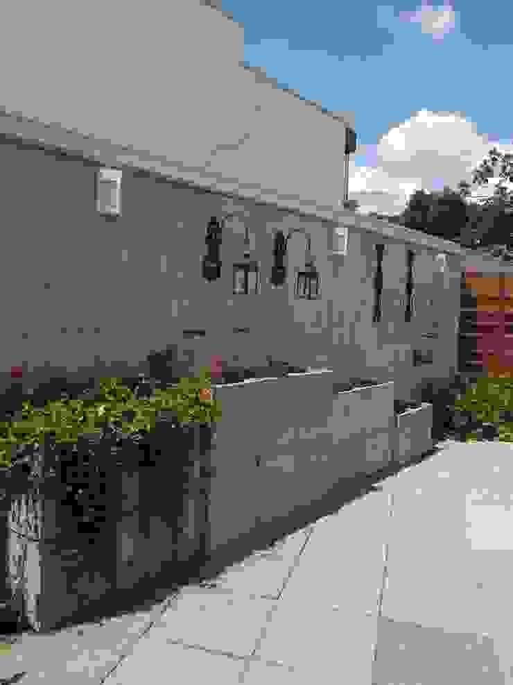 RESIDÊNCIA J&J Jardins modernos por Raquel Pelosi Arquitetura e Design Visual Moderno