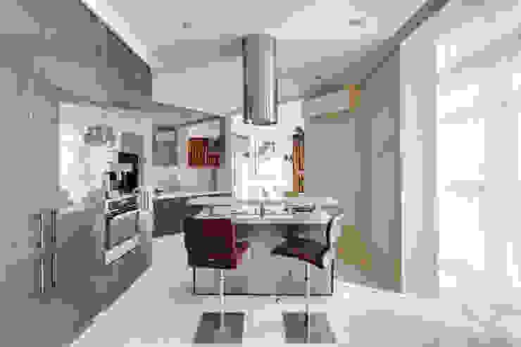 Квартира в Киеве Кухня в классическом стиле от U-Style design studio Классический