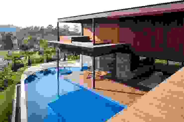 Casas modernas de Gálvez & Márton Arquitetura Moderno