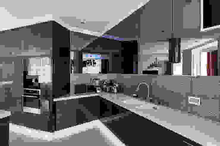 Квартира в Киеве Кухня в классическом стиле от YOUSUPOVA Классический