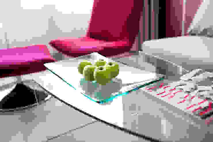 现代客厅設計點子、靈感 & 圖片 根據 Anna Buczny PROJEKTOWANIE WNĘTRZ 現代風