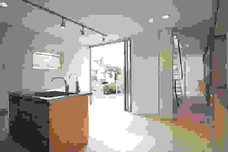 借景の家 充総合計画 一級建築士事務所 ミニマルデザインの ダイニング