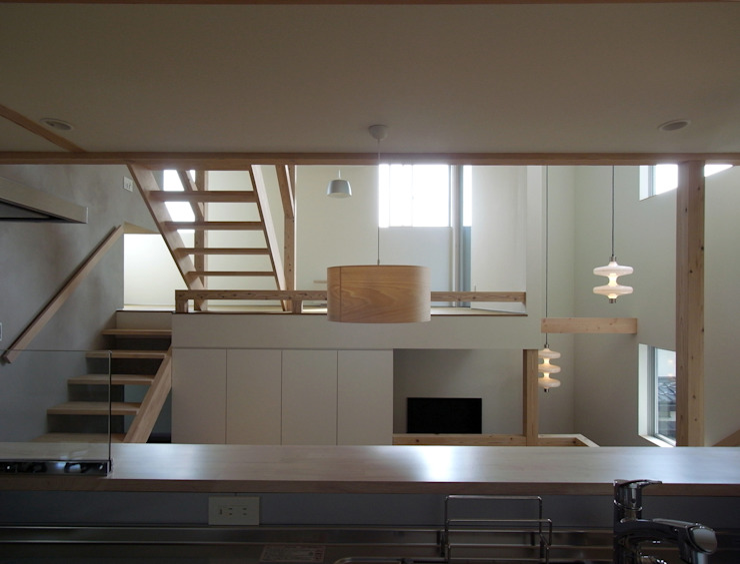OPERA 充総合計画 一級建築士事務所 オリジナルデザインの リビング
