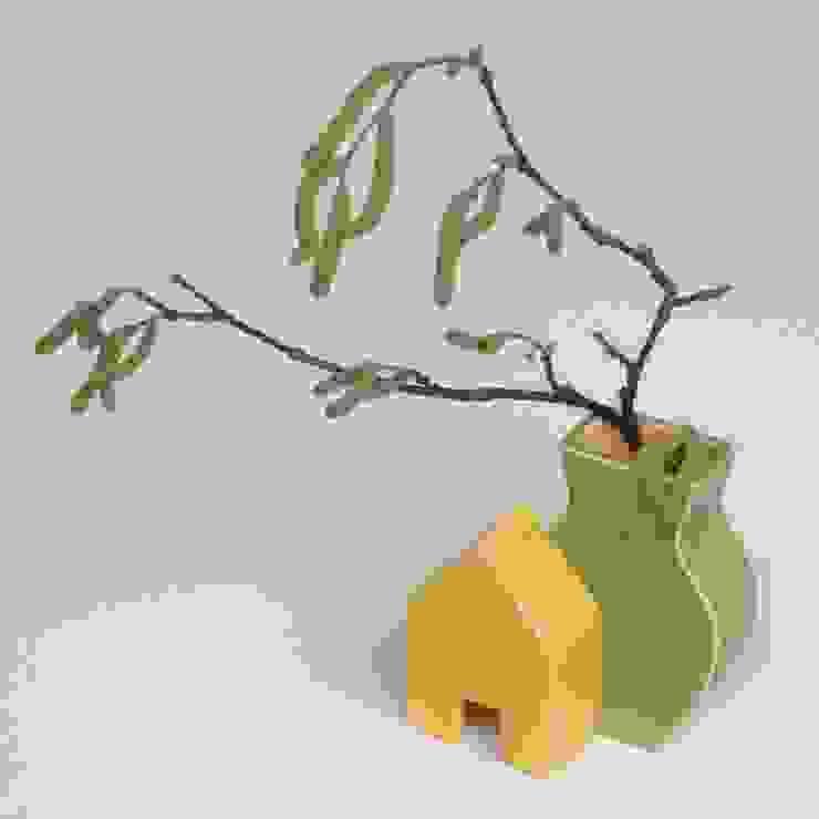 Huisvaasje: modern  door Ines de Booij, Modern