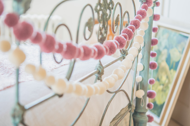 Pom Pom Garlands in a Bedroom Classic style bedroom by PomPom Galore Classic