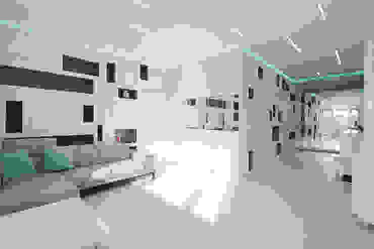 Квартира на Мосфильме Гостиная в стиле минимализм от Kerimov Architects Минимализм