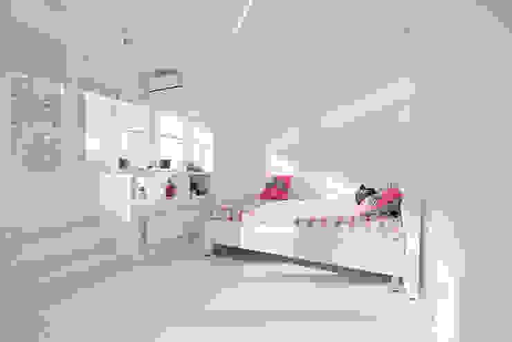 Квартира на Мосфильме Детская комнатa в стиле минимализм от Kerimov Architects Минимализм