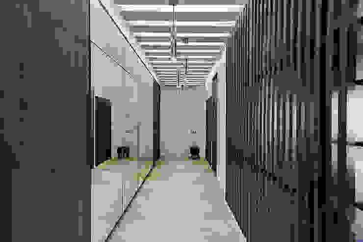 Кухня в загородном доме Коридор, прихожая и лестница в стиле минимализм от Kerimov Architects Минимализм