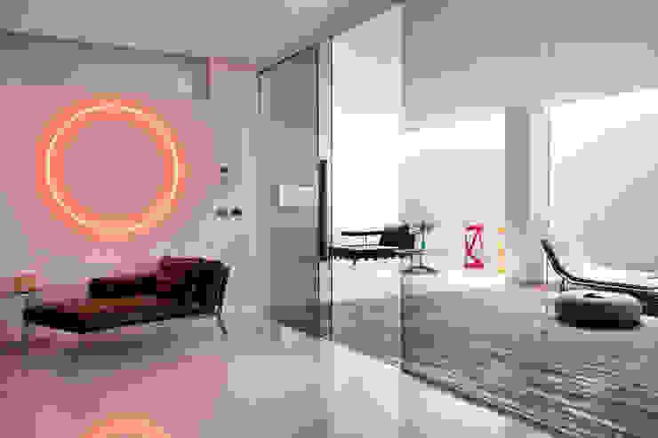 Casas con un estilo minimalista y muy luminosas Spa modernos de MSTUDIO FOTOGRAFIA PUBLICITARIA Moderno