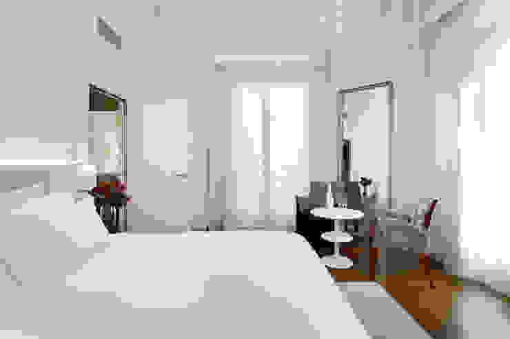 Un Hotel Elegante y Moderno en el Corazón de Madrid Hoteles de estilo moderno de MSTUDIO FOTOGRAFIA PUBLICITARIA Moderno