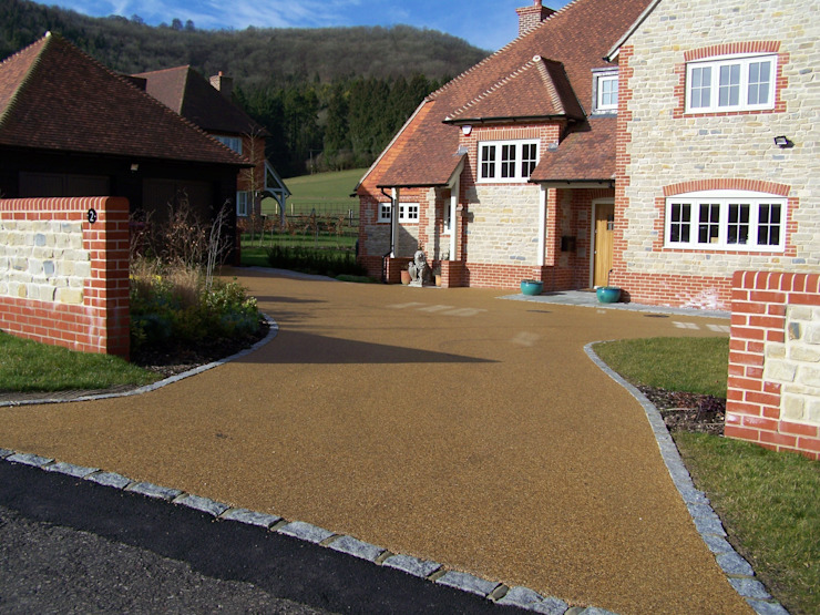 Domestic Driveways installation of resin bound paving Permeable Paving Solutions UK Walls